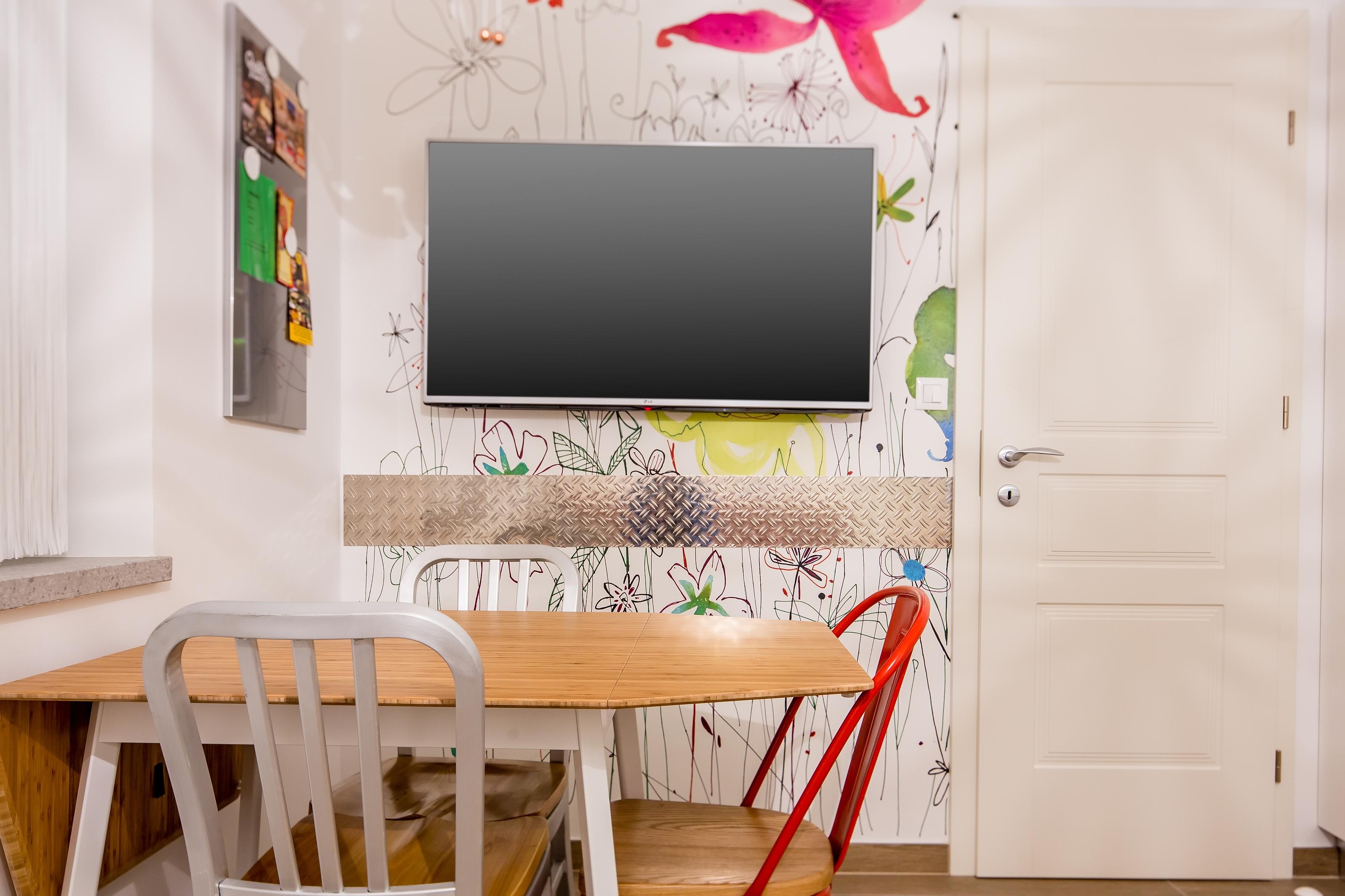 Apartma 002 TV